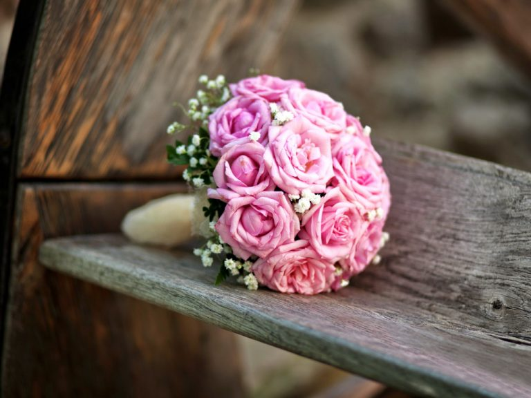 wedding-bouquet-flowers-roses-589